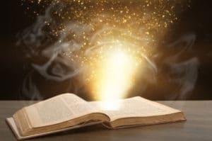 voyance-au-feminin-fr-bibliomancie-predictions