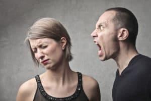voyance-au-feminin-fr-attaques-energetiques-agression
